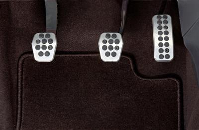 Alloy pedal set